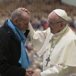 15 de agosto: N. S. da Glória com o Papa e os pobres